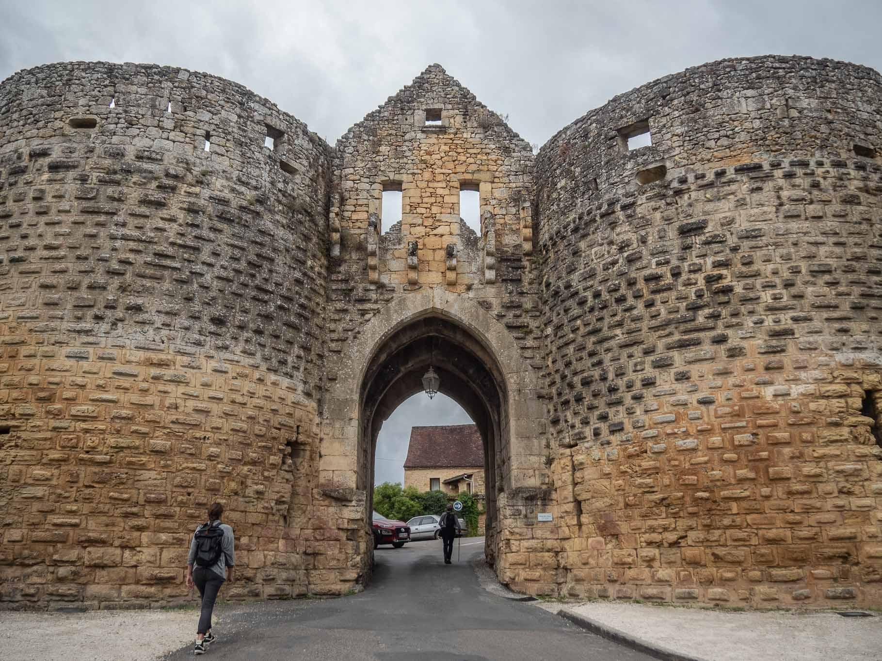 Portes de la cité médiévale de Domme en Dordogne