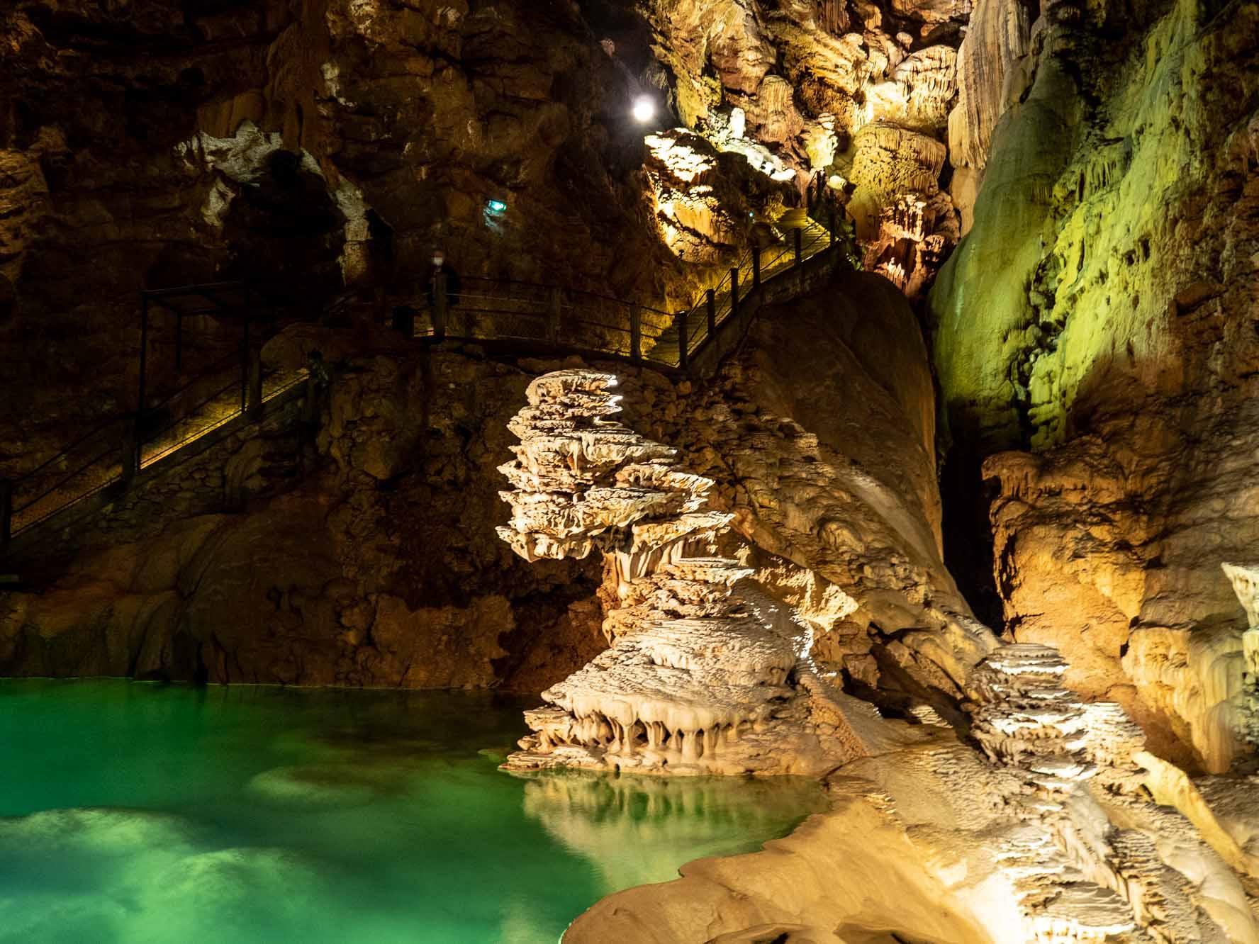 Rivière souterraine du gouffre de Padirac dans le Lot en France