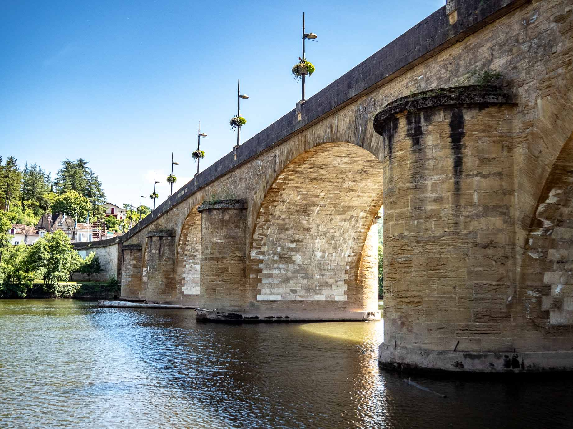 Pont sur le Lot à Cahors en France
